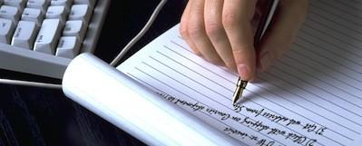 mano-escribiendo